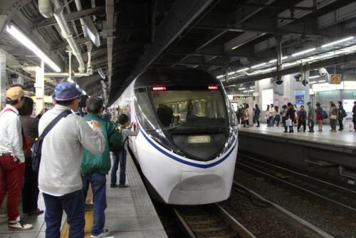 名古屋駅到着 371系