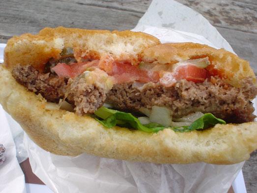 ビンゴバーガーはデカ盛りビッグサイズハンバーガー021