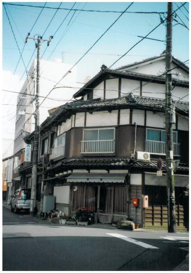 東本町10