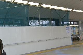 エスカレーターと階段の設置工事