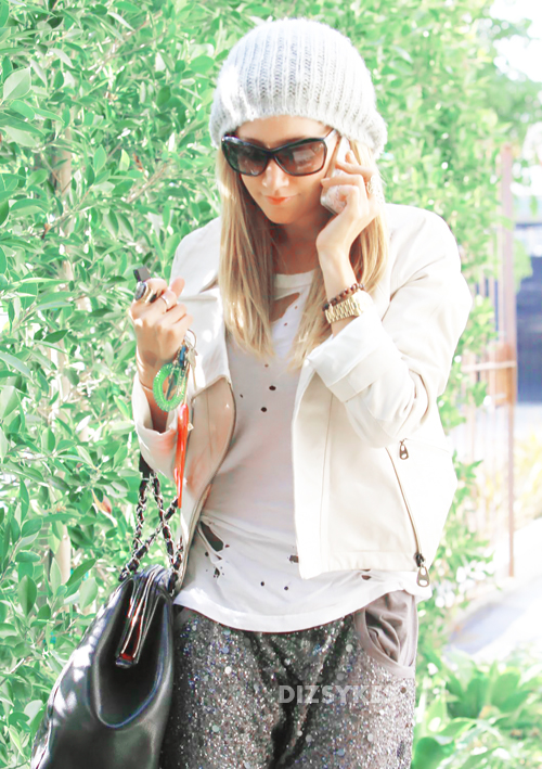 17139_Preppie_Ashley_Tisdale_at_a_salon_in_LA_12_122_595lo.jpg