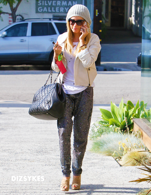 18519_Preppie_Ashley_Tisdale_at_a_salon_in_LA_21_122_536lo.jpg