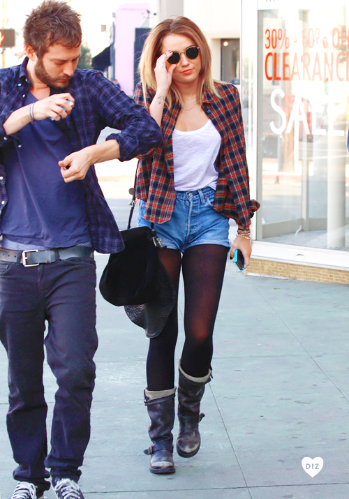 27669_Preppie_Miley_Cyrus_out_in_West_Hollywood_19_122_64lo.jpg