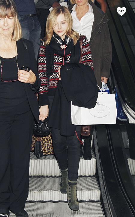 40362_Preppie_Chloe_Moretz_arriving_into_LAX_Airport_16_122_226lo.jpg