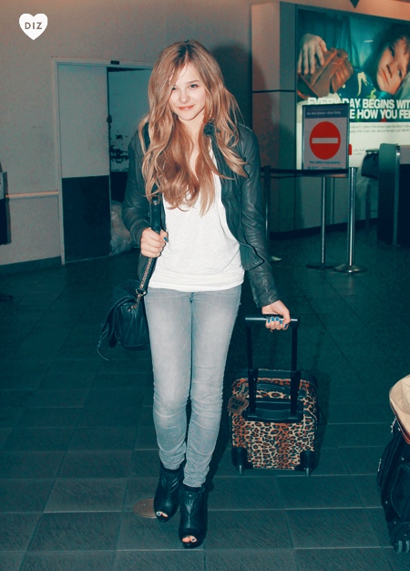 41288_Preppie_Chloe_Moretz_and_brother_Trevor_walk_through_LaGuardia_airport_in_New_York_1_122_473lo.jpg