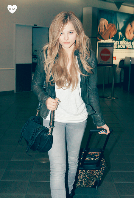 42110_Preppie_Chloe_Moretz_and_brother_Trevor_walk_through_LaGuardia_airport_in_New_York_6_122_335lo.jpg