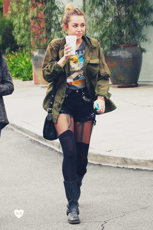 49676_Preppie_Miley_Cyrus_out_in_Toluca_Lake_8_122_50lo.jpg