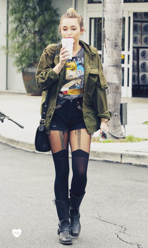 82316_Preppie_Miley_Cyrus_at_Starbucks_in_Studio_City_9_122_214lo.jpg