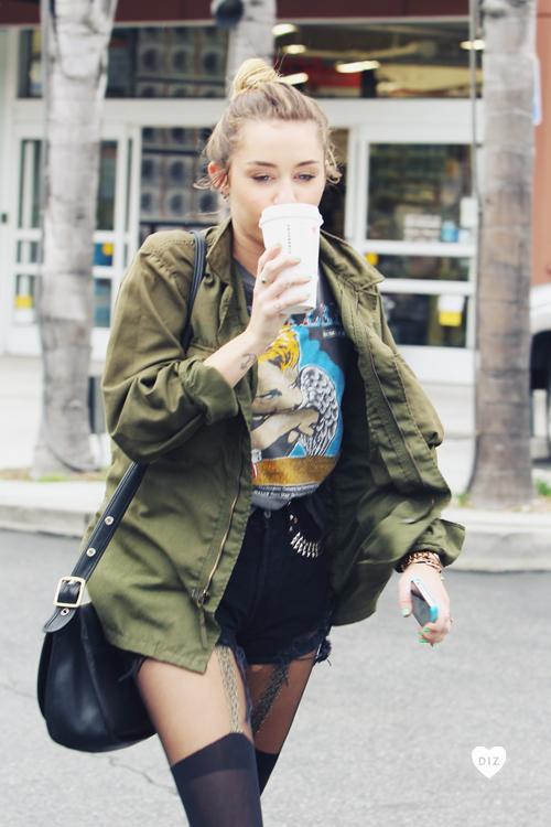 82968_Preppie_Miley_Cyrus_out_in_Studio_City_11_122_610lo.jpg