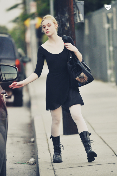 97898_Preppie_Elle_Fanning_leaving_Ballet_Class_in_Studio_City_1_122_431lo.jpg