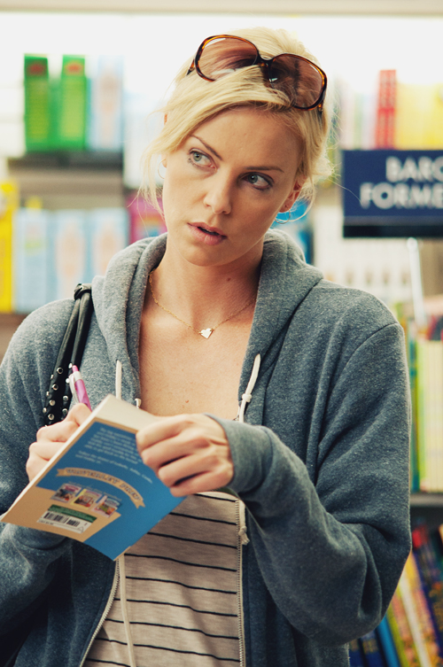 charlize-theron-young-adult-movie-image-5.jpg