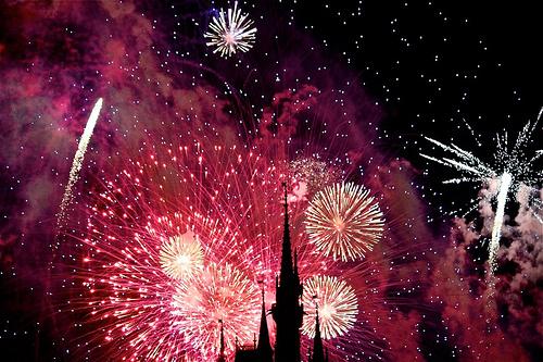 cool-disneyland-firework-fireworks-Favimom-245622_large.jpg