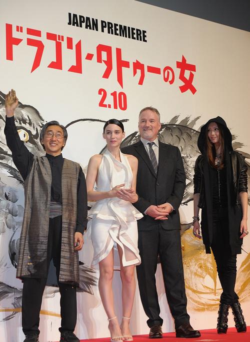 rooney-mara-dragon-tattoo-tokyo-premiere-03.jpg
