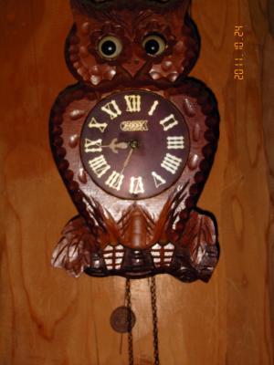 ミミズク時計