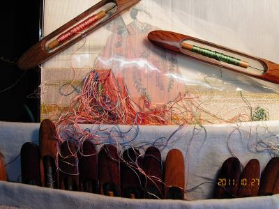 京都西陣の伝統工芸 爪かきつづれ織り