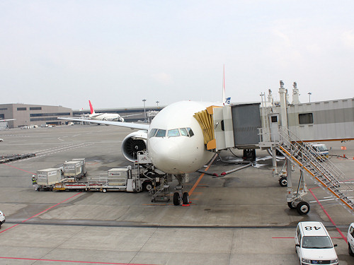 2011-03-08 WDW&NY 1日目出発空港にて 006