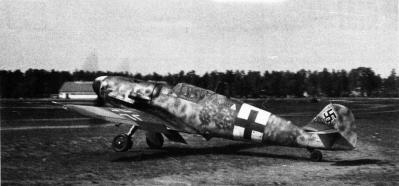 1-Bf-109G6-FAF-HLeLv34-MT-462-Katajainen-WNr20041-Finland-1944.jpg