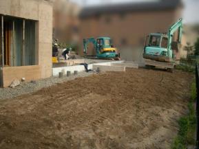 建築時の庭予定地の様子