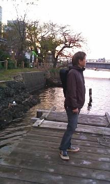 桟橋に佇む