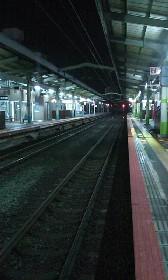 深夜の駅。