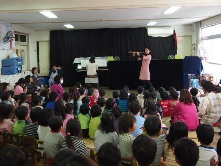 2013.11.29 稲瀬川保育園 演奏