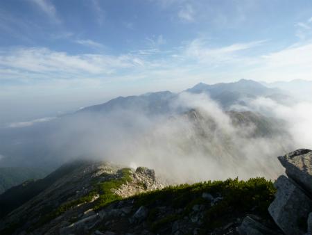 053稜線雲