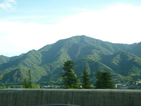 046倉岳山