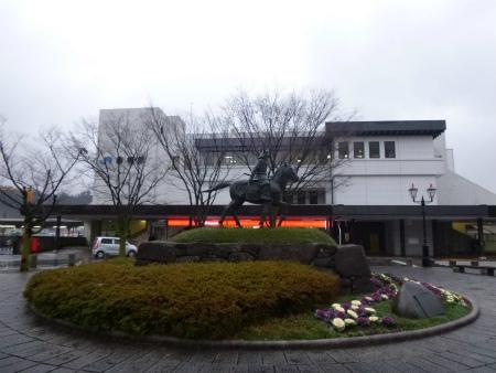 122JR彦根駅