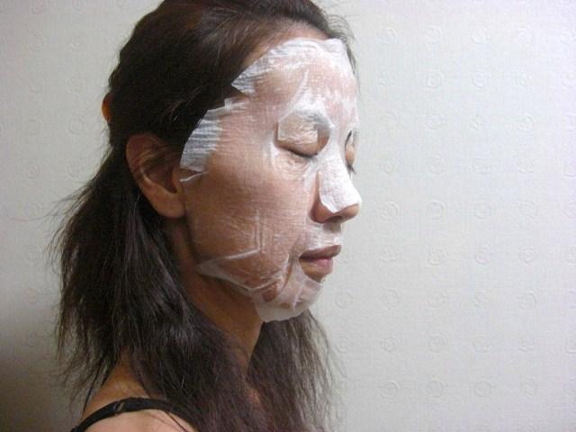 シートマスクに美容液たっぷり