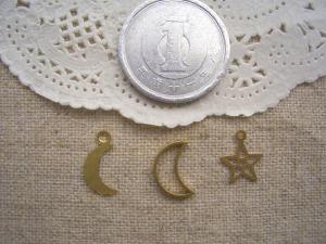 ブラス月2種と星