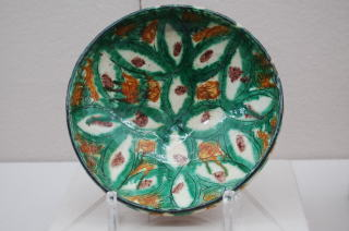 多彩釉刻線花文鉢 イラン9~10世紀 陶器