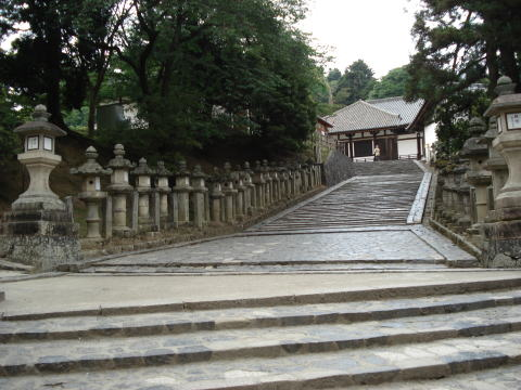 二月堂への石段