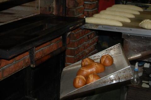 くるみパンの窯出し