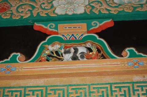 東回廊 潜門長押 眠り猫