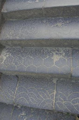 二月堂への階段の模様
