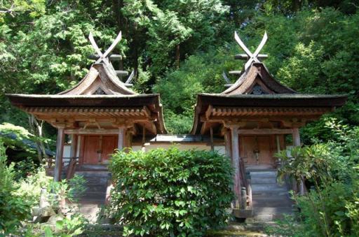 日本最小国宝建築 春日堂・白山堂