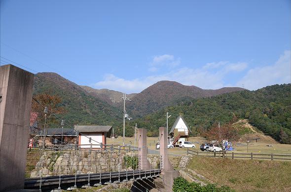 小隠里@紅く彩られた赤坂山