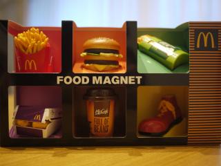 mac_foodmagnet_02_s.jpg