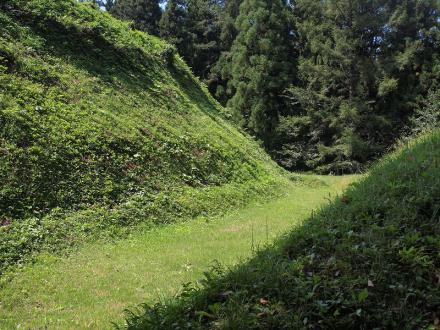 P9103188鴫城の空堀跡