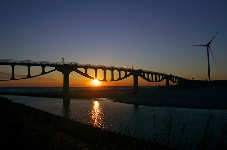 潮騒橋の夕暮れ