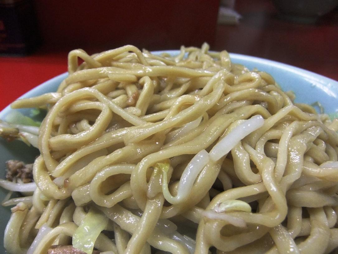 ラーメン二郎 中山駅前店:麺(カタカタ) 11.12.21