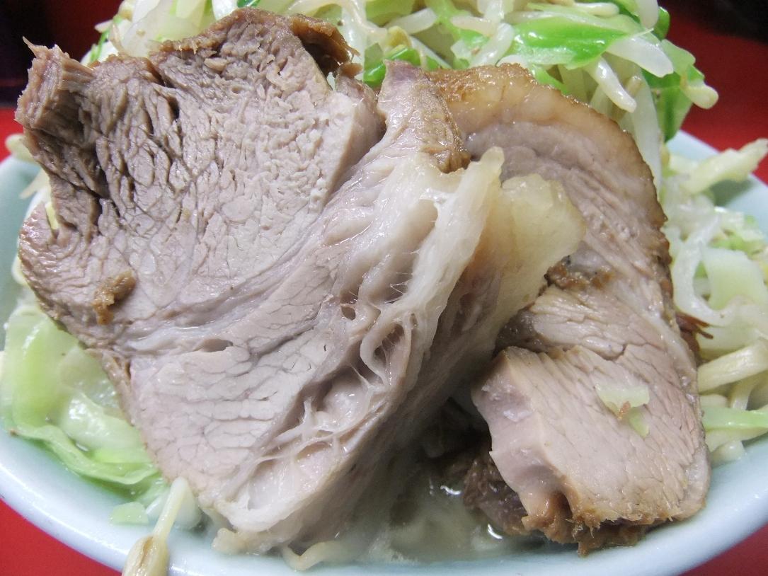 ラーメン二郎 中山駅前店:豚 11.12.21