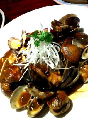 あさりの黒豆ソース