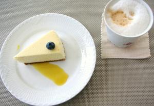チーズケーキとカプチーノ