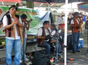 現地人の音楽
