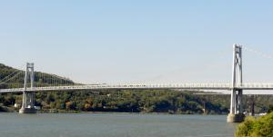 ハドソン川にかかる橋