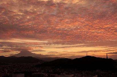朝焼けの雲