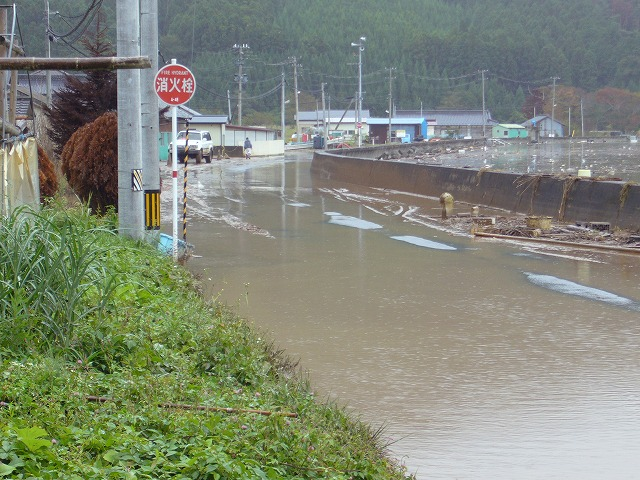 x-after- typhoon-in-harinohama