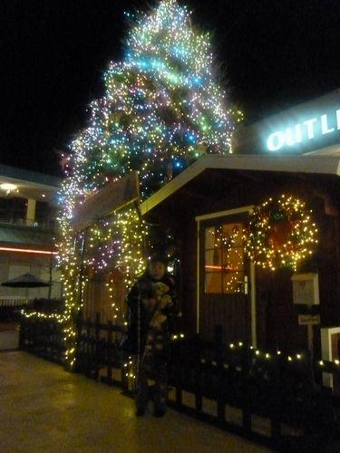 サンタさんのお家の前で