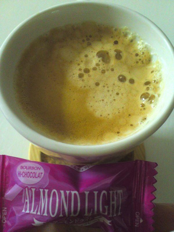 アーモンドチョコーヒー